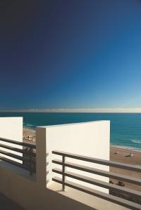 LMIA_53742129_Ocean_Front_Presidential_Suite_Balcony_2000x3000_150dpi