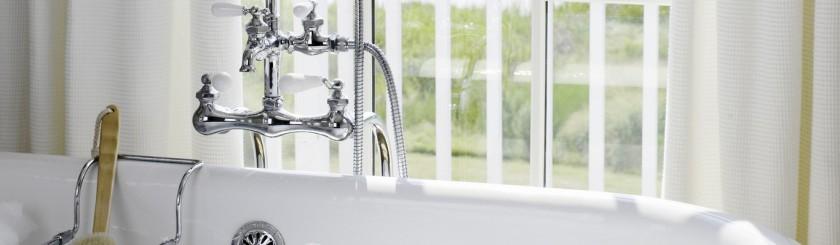 omic_1366x400_room_deluxe_waterview_room_bathroom01