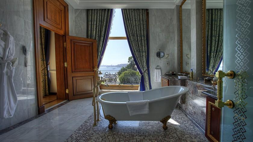 SetWidth1700-Sultan-Suite-Second-Bedroom-Bathroom