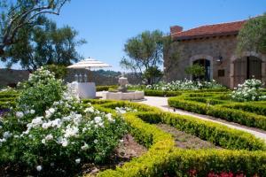 L'Orangerie Courtyard