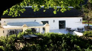 winery-cape-winelands01